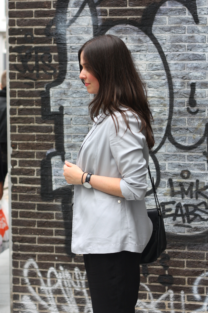 outfit: relaxed professional in pearl grey blazer