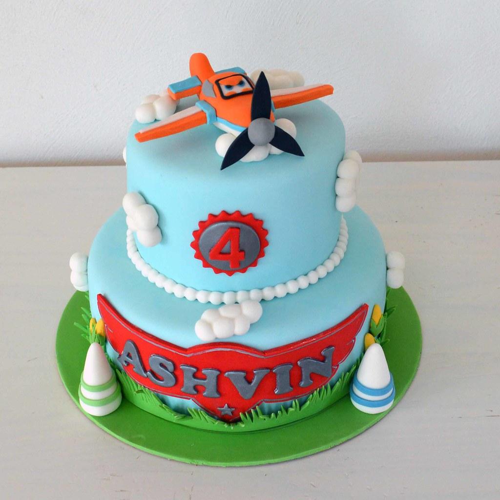 Planes Cake Vanilla sponge cake filled with milk ...