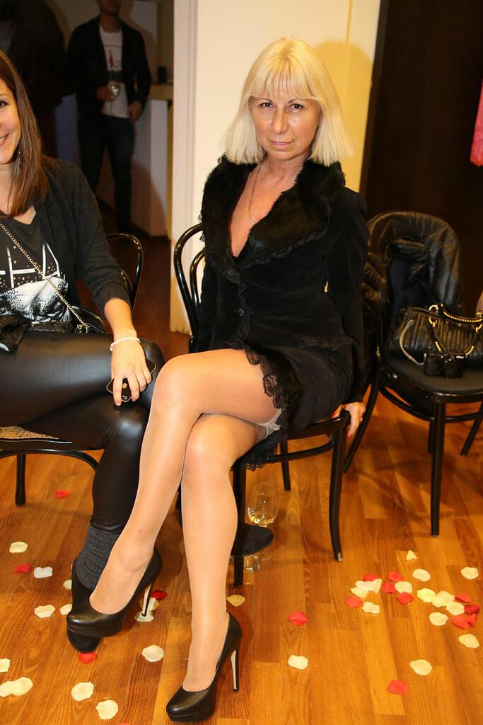 2 blonde milfs in swinger club - 3 5