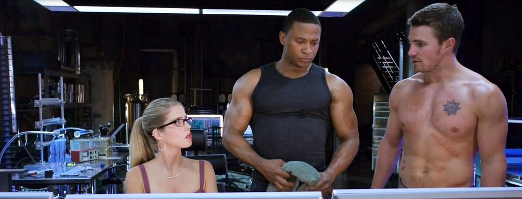 felicity diggle oliver from arrow season 2 episode