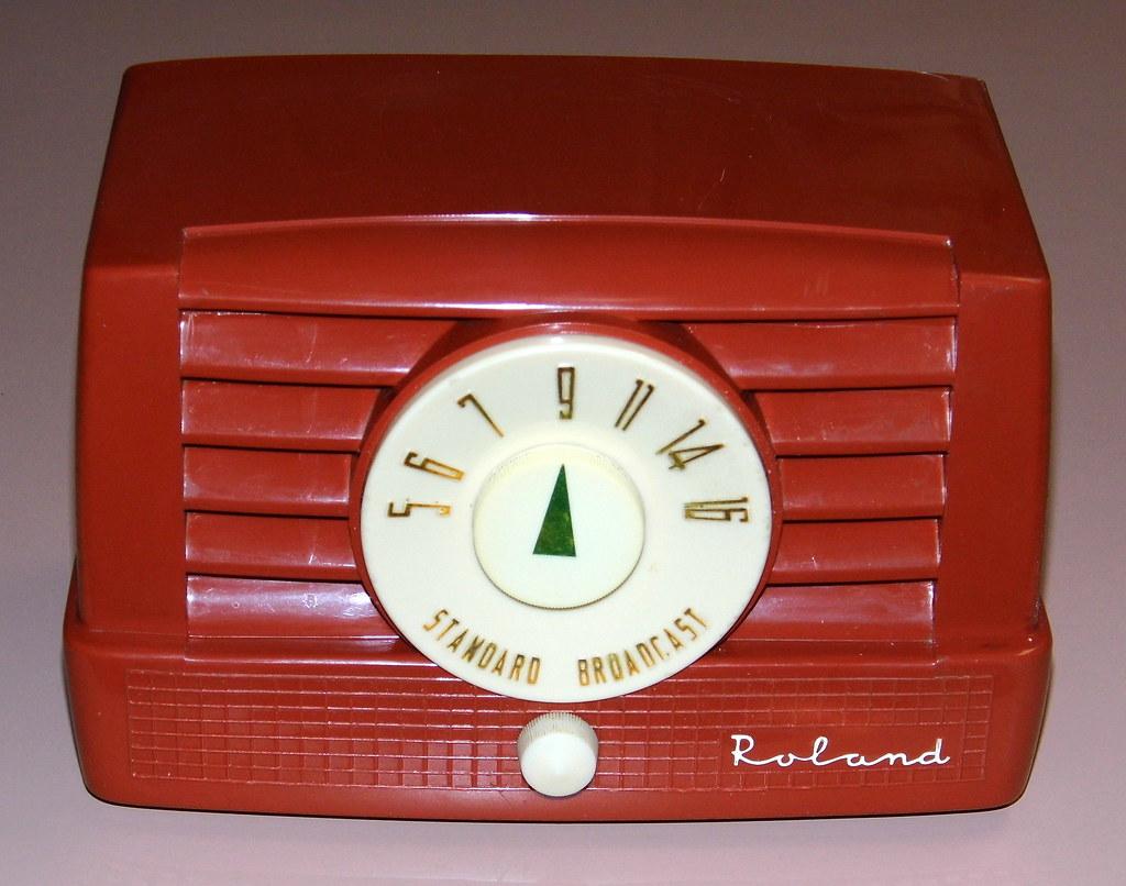 Vintage Roland Table Radio Model 5t8 Am Band 5 Vacuum T