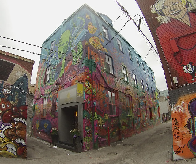 Graffiti alley aquarium mural flickr photo sharing for Aquarium mural