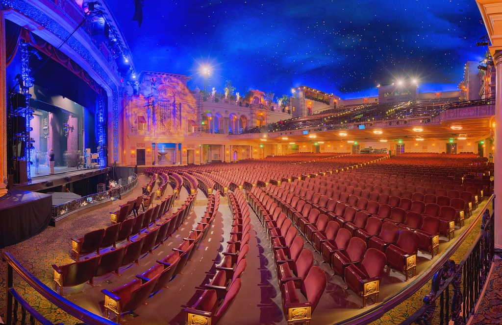 New Orleans Saenger Theatre When Hurricane Katrina Hit