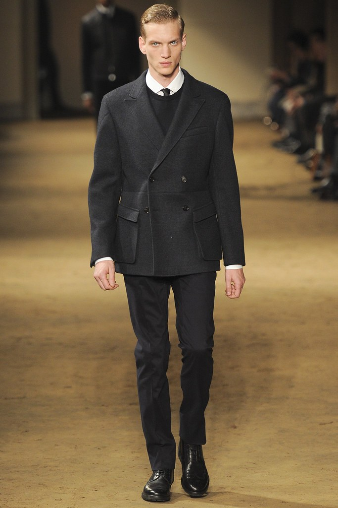 Paul Boche3544_FW14 Milan Corneliani(VOGUE)