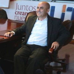 John Jairo Vásquez, UNE