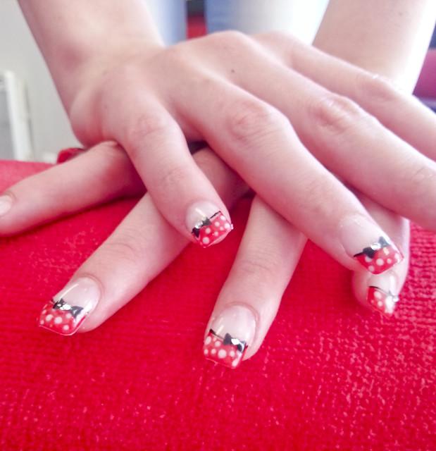 ongles gel rose pois blancs decors noeud papillon quick epil proepil 2