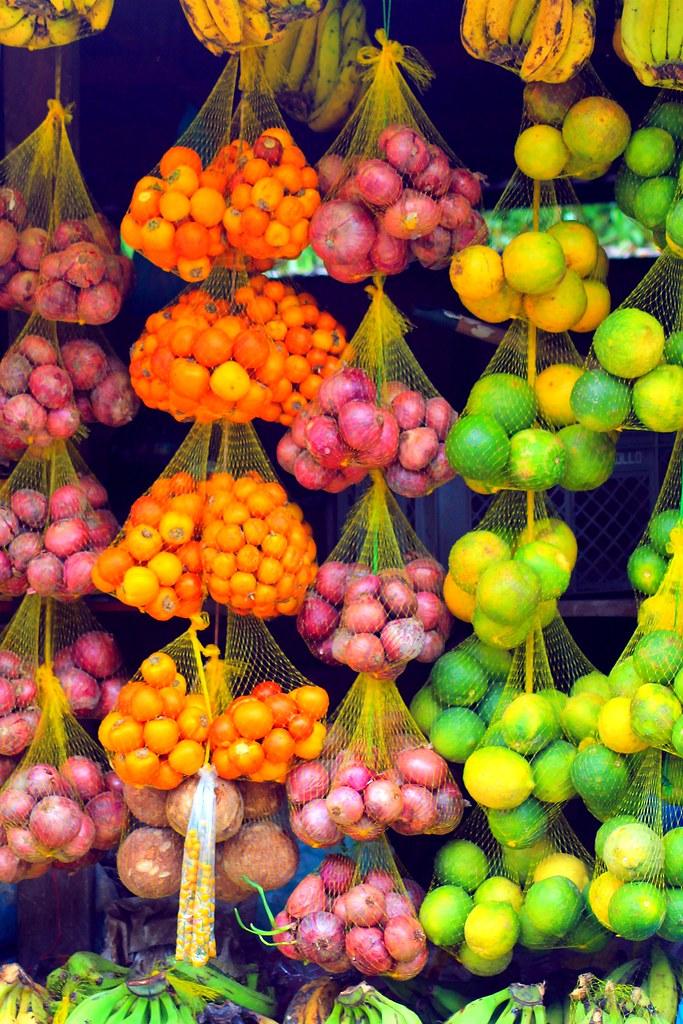 Fruit in Tabatinga | Fruit hanging in the market at ...