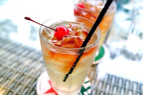 wedding etiquette alcohol