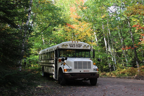 IMG_4557_Bus_at_Estivant_Pines_Trailhead