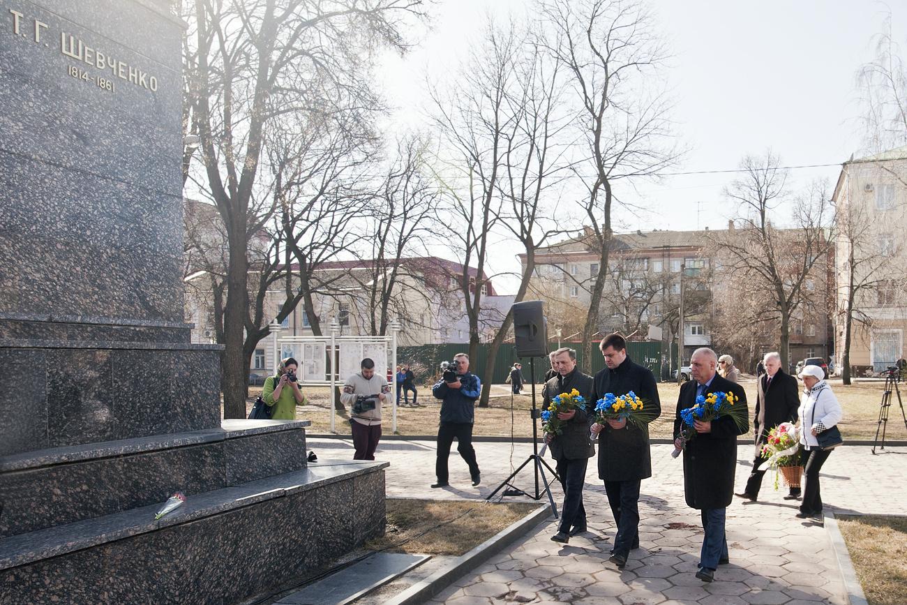 Краматорчане почтили память Великого Кобзаря всквере Шевченка