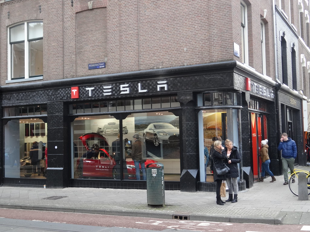 Amsterdam Tesla Store Recently Tesla Opened A Showroom