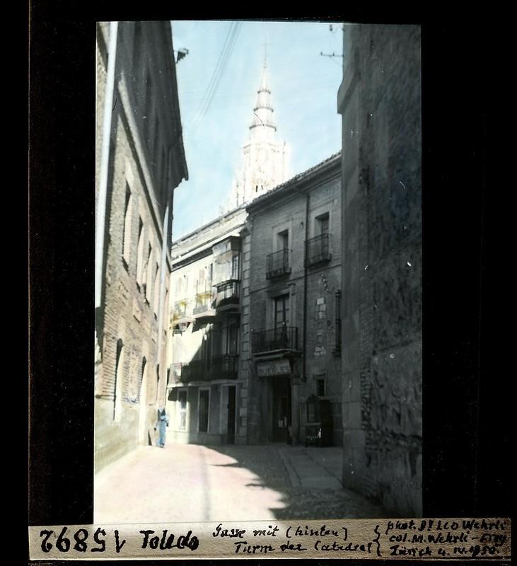 Calle Trinidad junto a San Marcos fotografiada por Leo Wehrli el 4 de abril de 1950 (fotografía coloreada) © ETH-Bibliothek Zurich