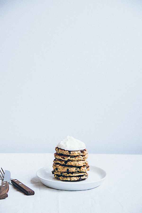 Buckwheat Poppy Seed Pancakes with Blueberries (gluen and sugar free)