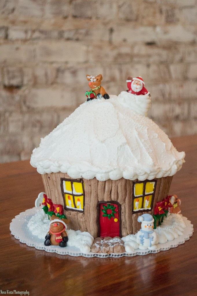 christmas house giant cupcake marzipan decorations