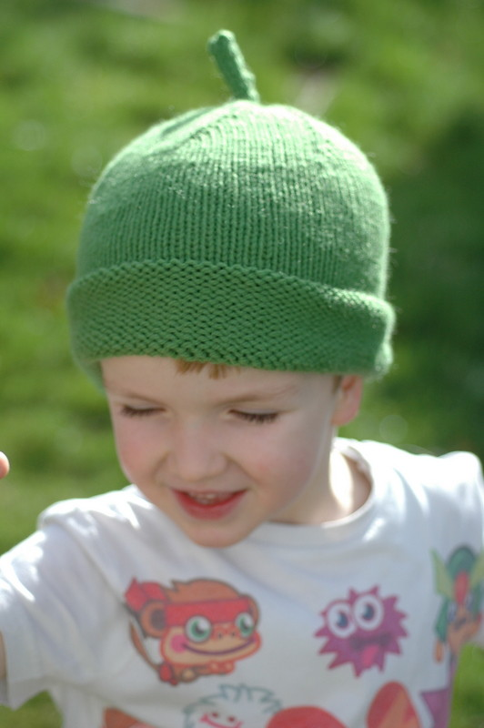 Free Knitting Pattern Duck Hat : sarah and duck hat pattern: www.bbc.co.uk/cbeebies ...