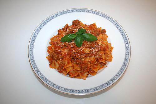 36 - Farfalle in bratwurst carrot sauce - Served / Farfalle in Bratwurst-Möhren-Sauce - Serviert