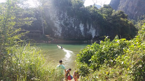 Sleeping Cave in Vang Vieng