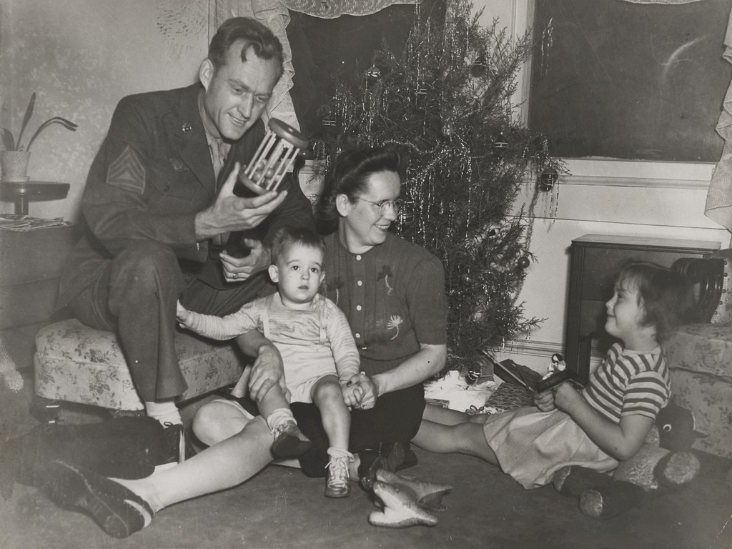 Canup Family at Christmas, 1945 | Claude Canup spends ...