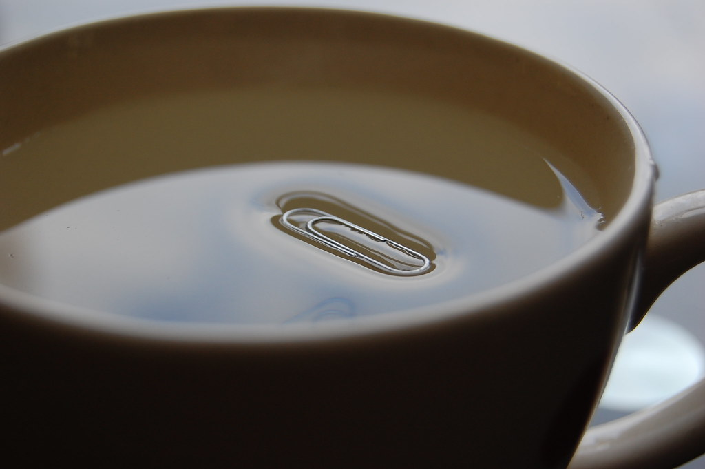 Can you make a paperclip float blue cups and amber tea for Things you can make with paper clips