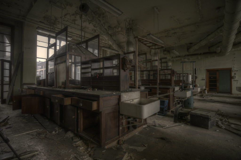 Abandoned Laboratory Explore The Laboratory Floor In