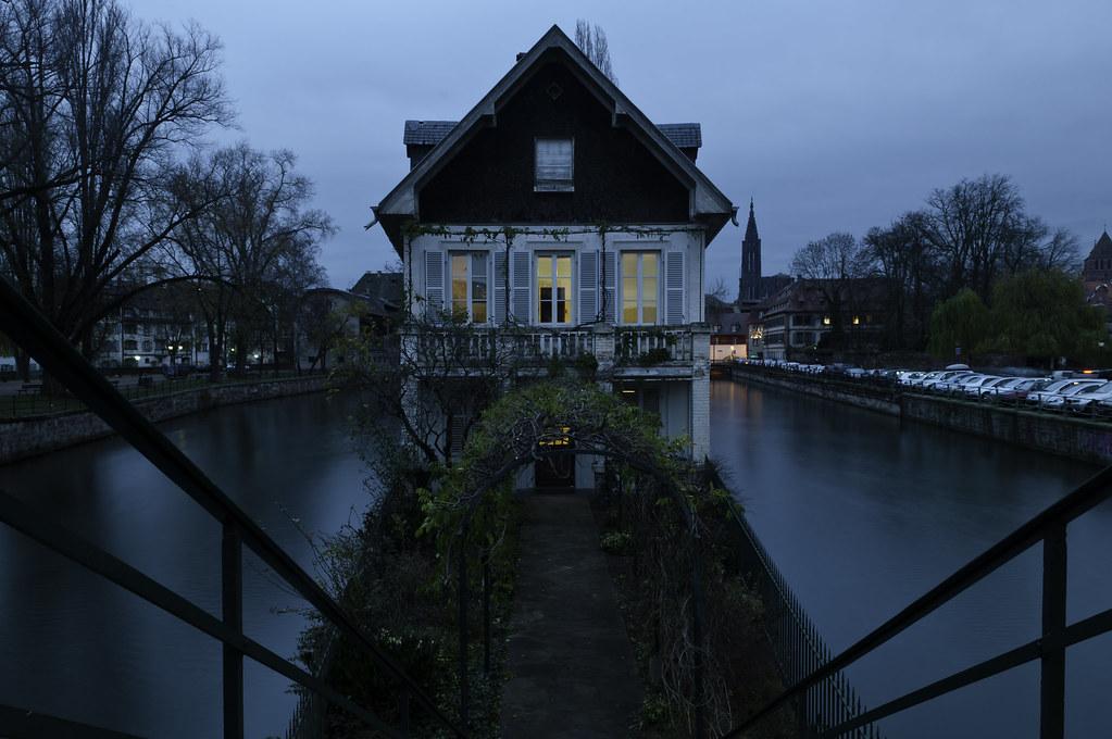 Maison des ponts couverts strasbourg france martin for Linge de maison strasbourg