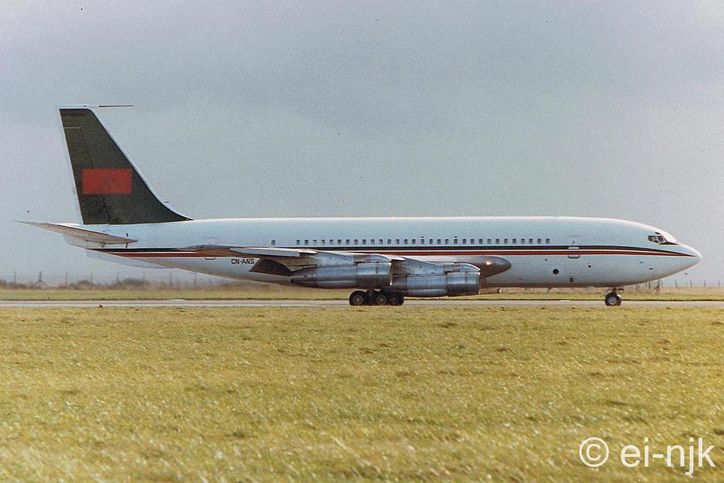 Les 2 Boeing 707 des FRA 11425046485_86bdd15222_b
