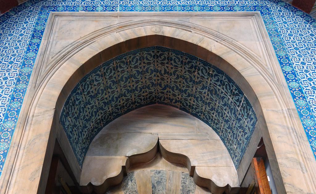 Sinan, Rüstem Paşa Mosque, entry archway  Mimar Sinan, Rüst…  Flickr