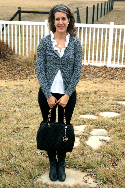 Full-view-with-purse