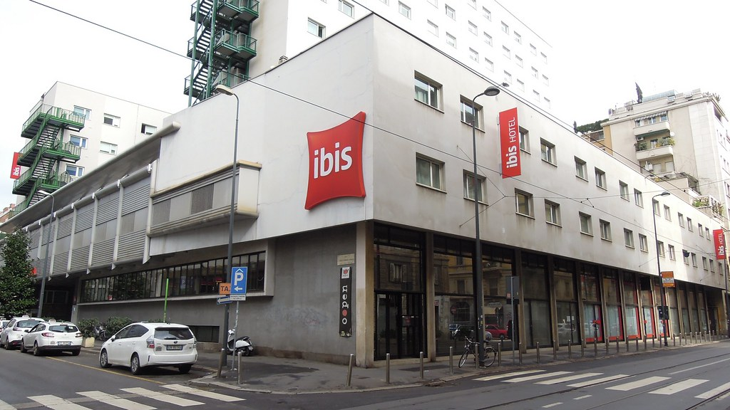 Hotel Ibis Via Finocchiaro Milano