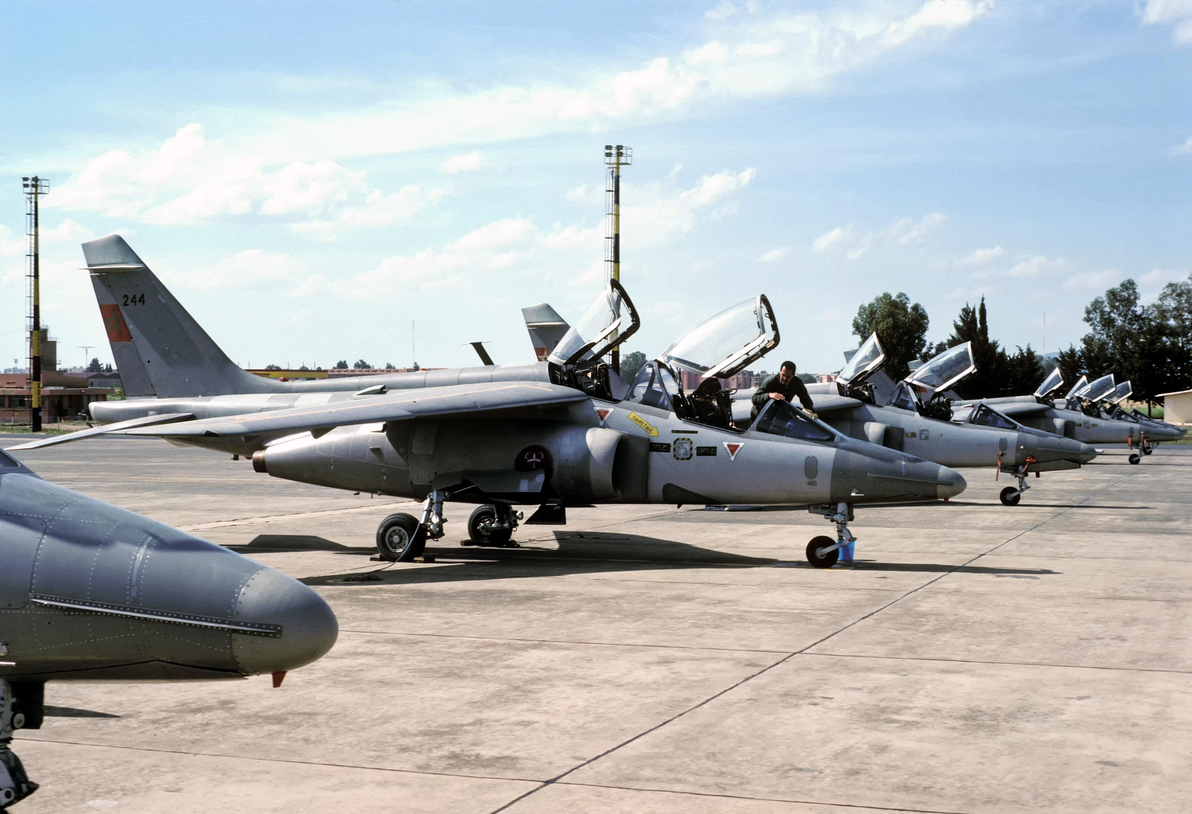 FRA: Photos avions d'entrainement et anti insurrection - Page 9 33258113991_82ffa383bd_o