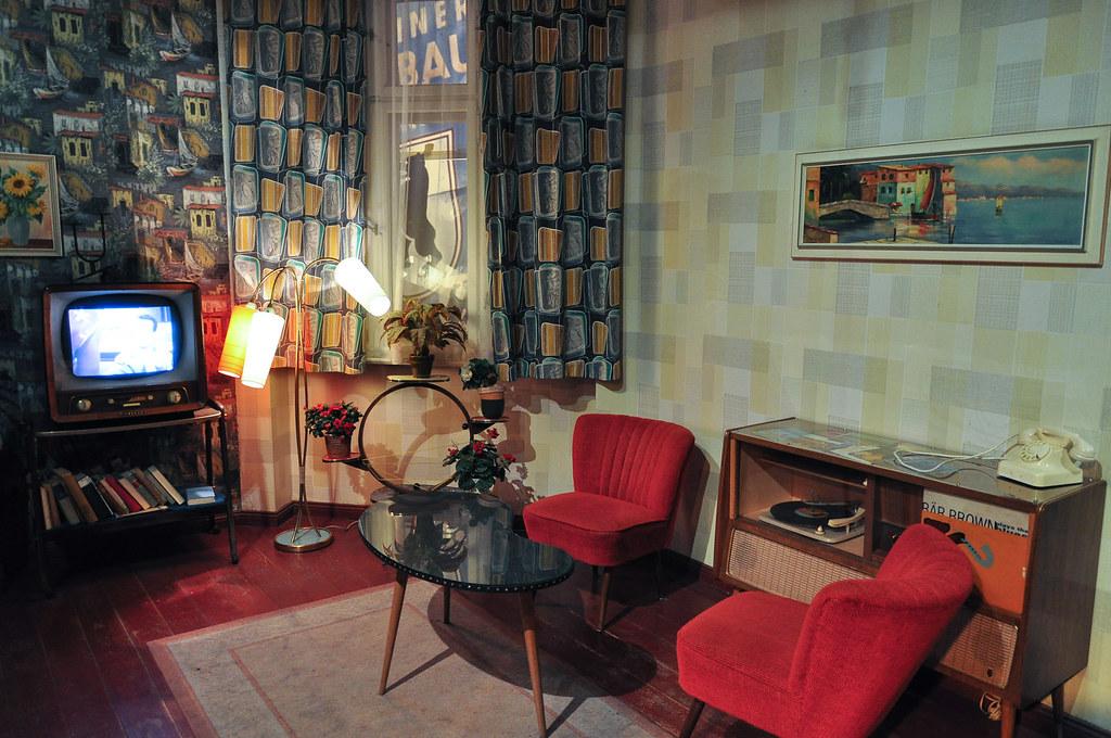 zeitreise wohnzimmer im stil der 60er jahre gesehen im s flickr. Black Bedroom Furniture Sets. Home Design Ideas
