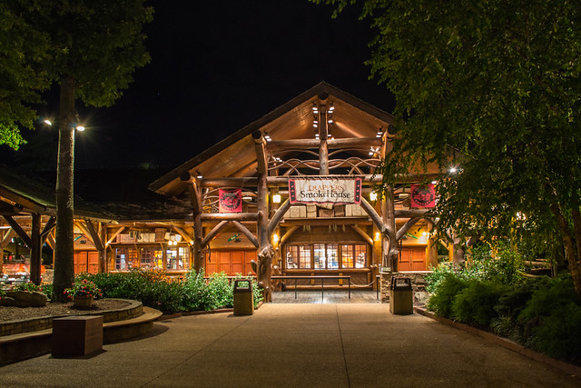 Busch Gardens Williamsburg Trappers Smokehouse At Night Flickr Photo Sharing
