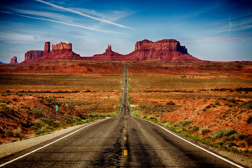 road to monument valley mile marker 13 on us route 163