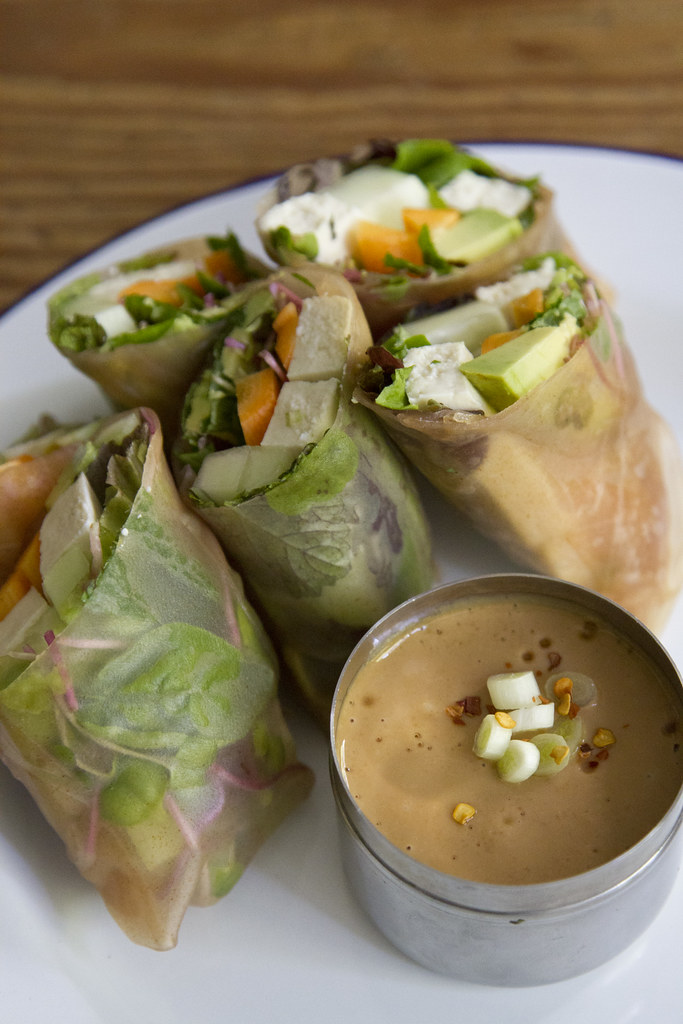 pack a picnic: summer rolls | reading my tea leaves
