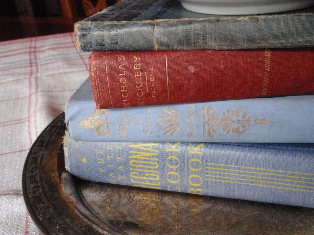 Vintage book stack patriotic decor eli anne marie for Anne marie witmeur decoration