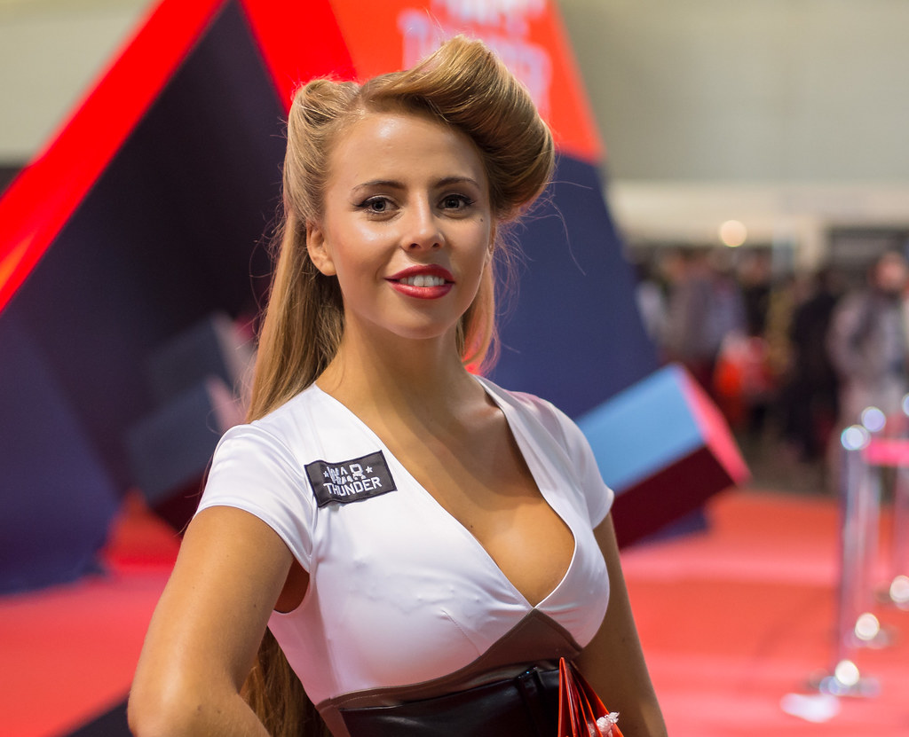 Warthunder girl at Igromir 2013 | Russian gaming expo | Sergey ...