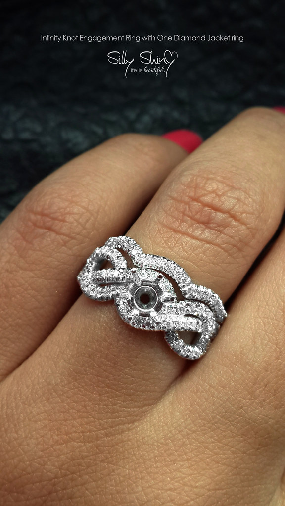 Infinity ring with diamonds 2017