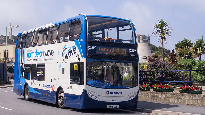 Stagecoach 15886 on route 21 in Ilfracombe