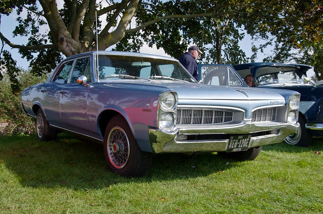 pontiac tempest 4 door related keywords