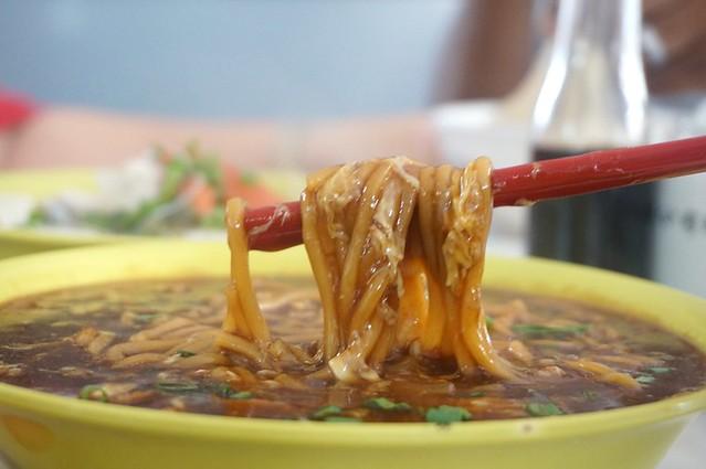 melaka - dong fung restaurant -best fish head noodles-003
