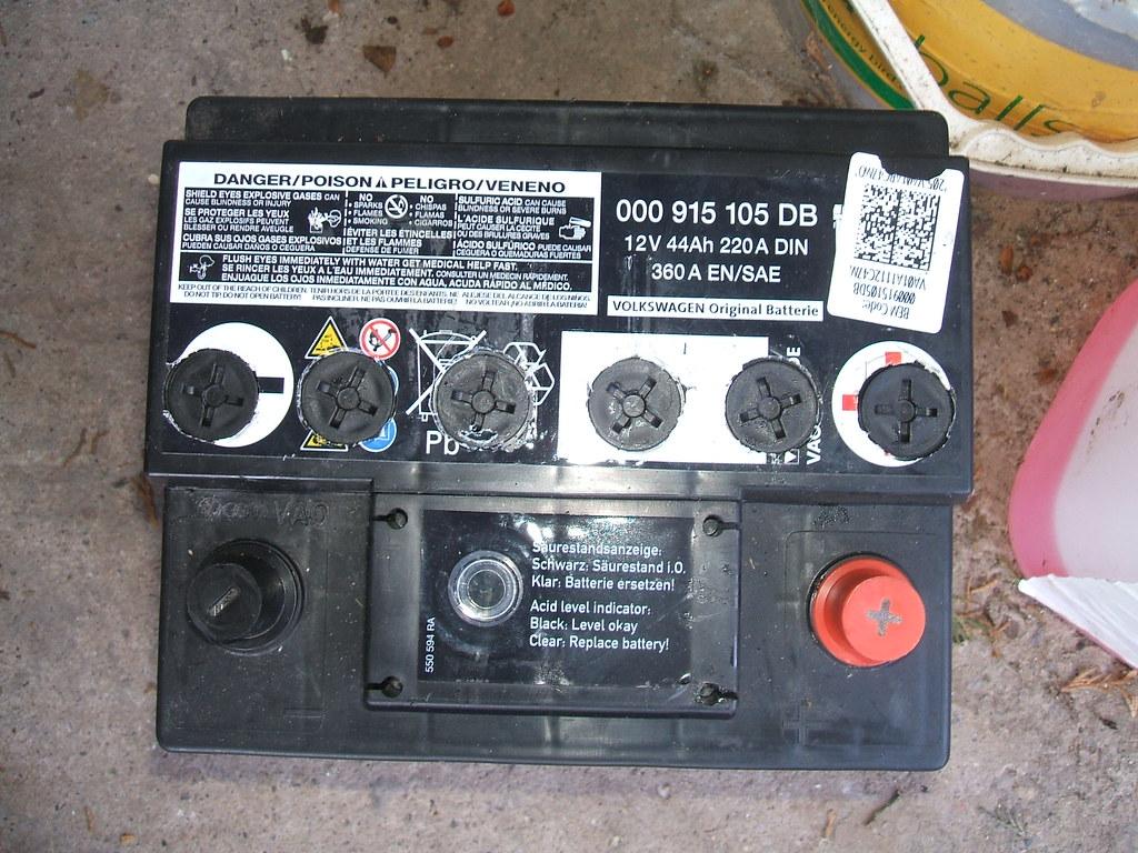 915 105 db 44 ah varta oem dscf5503 new old car batter flickr
