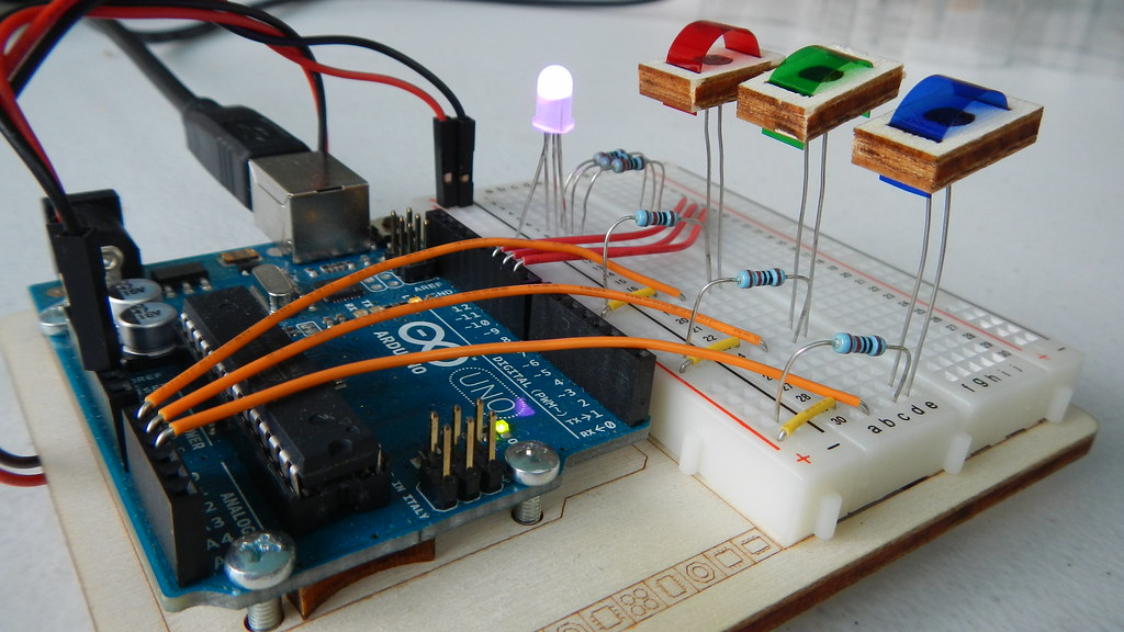 Project color mixing lamp from the arduino projects