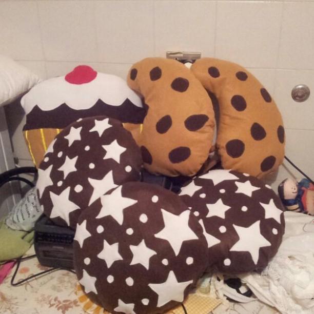 Sweet pillows in progress...........#pillow#pandistelle#go ...