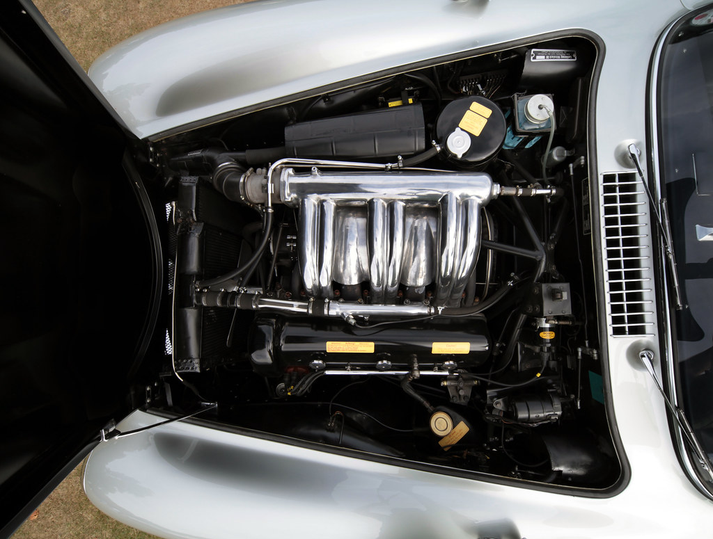 Mercedes benz 300sl engine bay beautiful condition and for Engine for mercedes benz