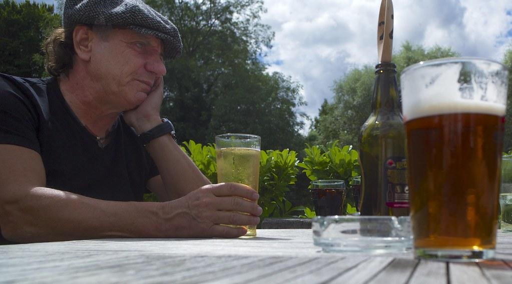 Brian Johnson of AC/DC contemplates a pint | Taking a break ...