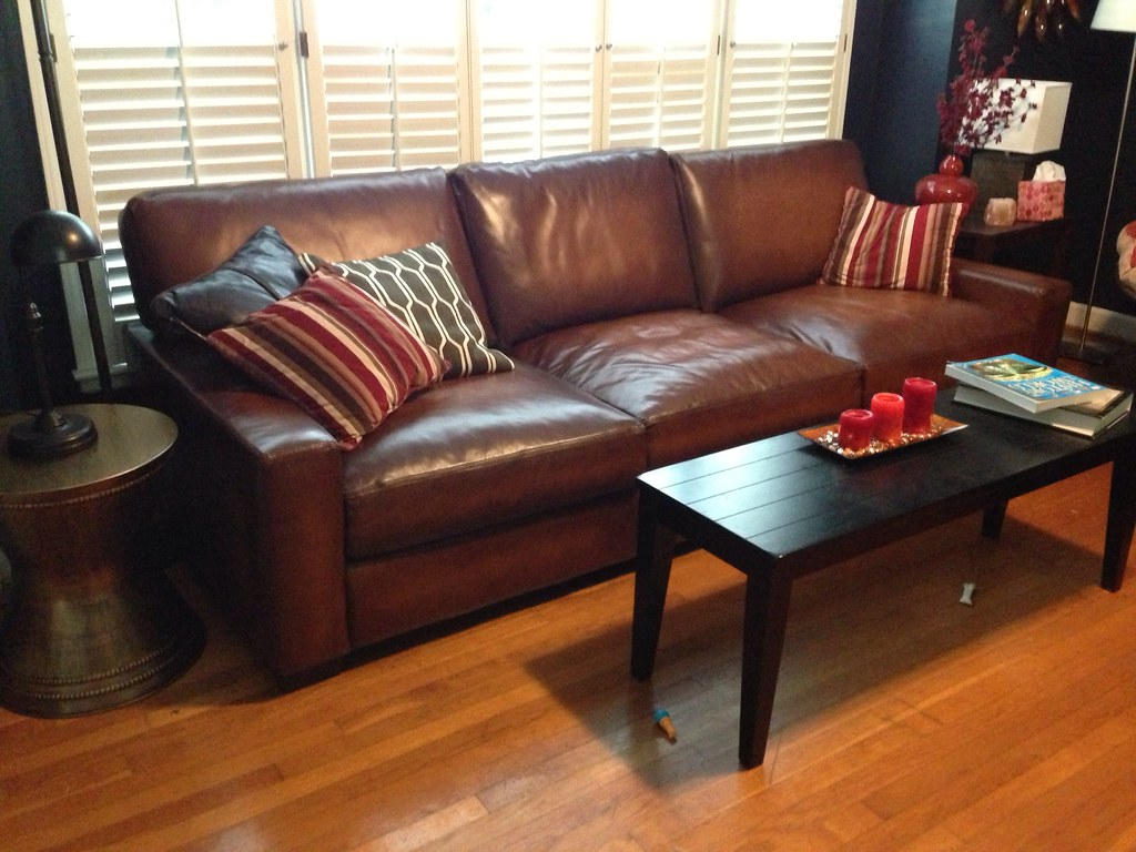 Pottery Barn Turner Sofa Fits perfectly in the space