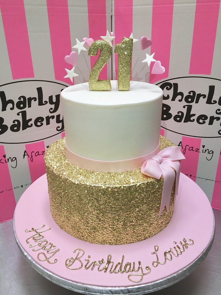 How To Make A Two Tier Cake With Fondant