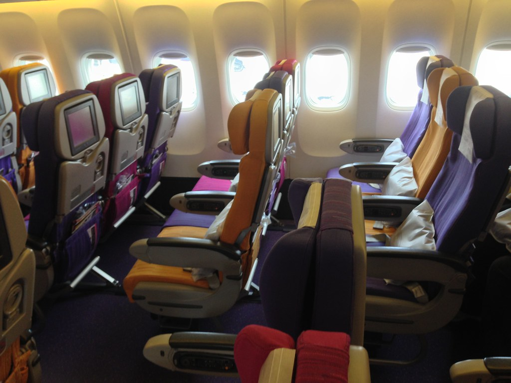 Thai Airways Boeing 777-300 Interior Thai Airways 777-300 y