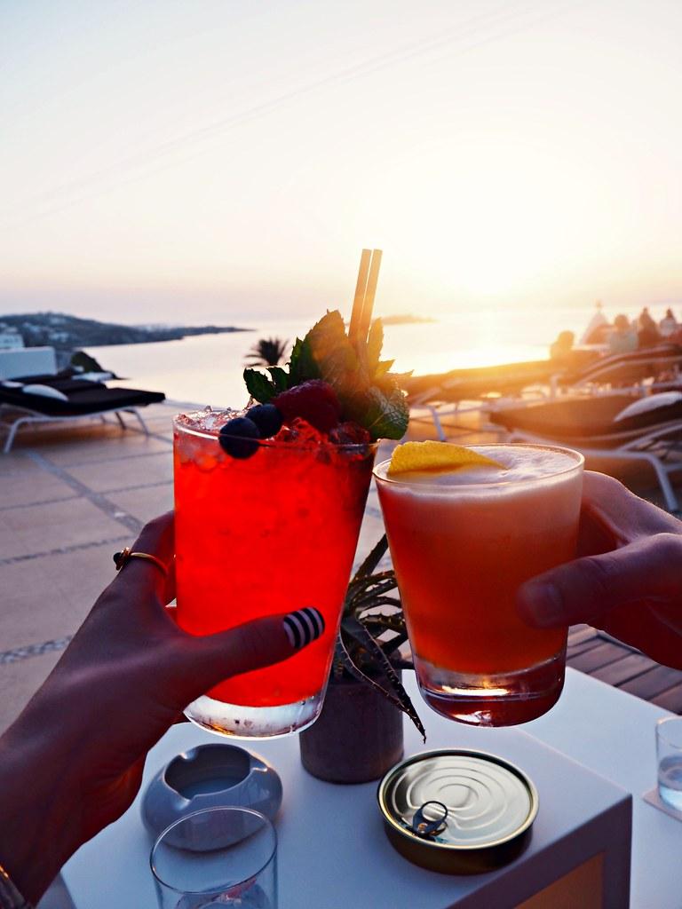 Bill & Coo suites mykonos sunset cocktails 5
