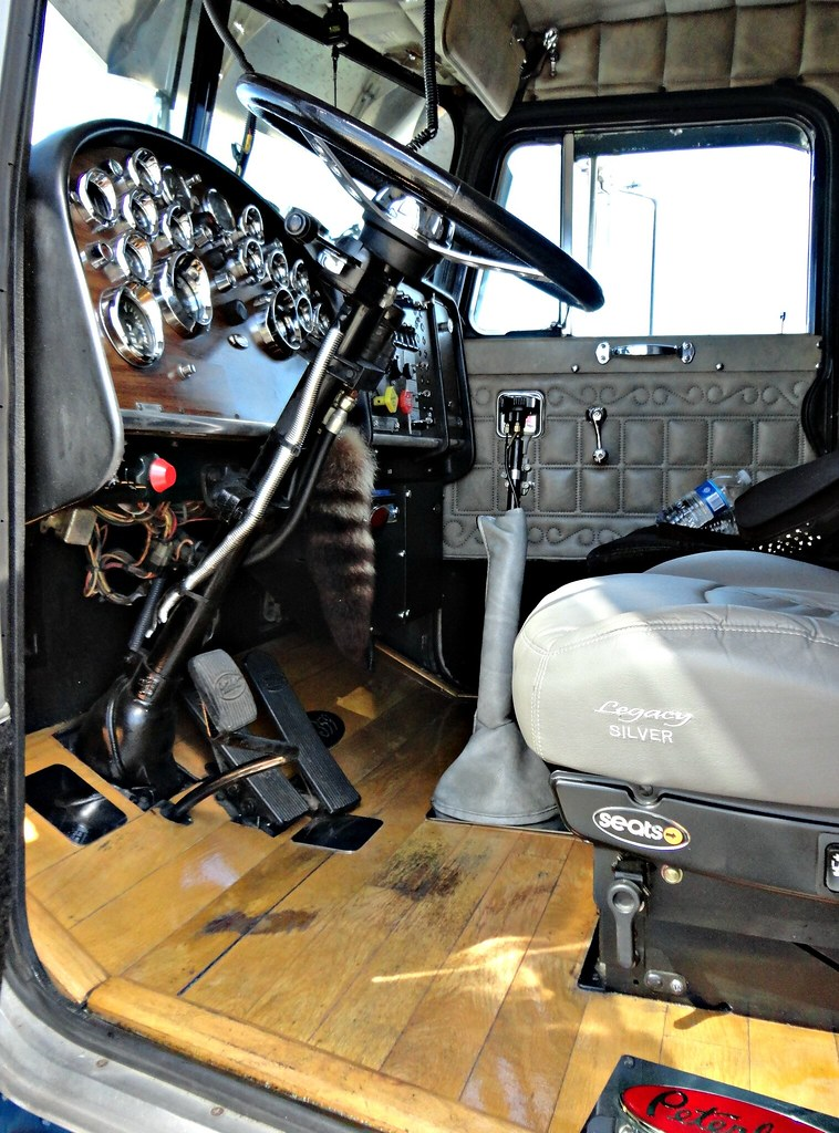 1987 Peterbilt 359 Interior Here You Go Craig My Only Int Flickr